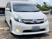 Toyota Isis 1,9L 2013