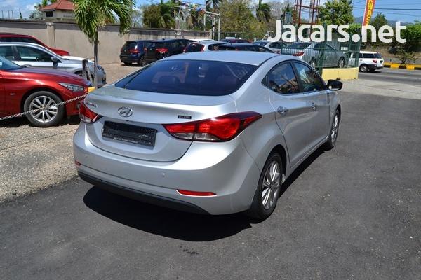 Hyundai Elantra 1,5L 2015-7