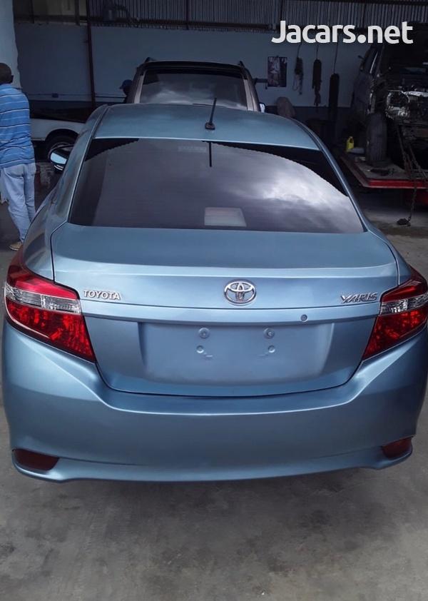 Toyota Yaris 1,3L 2014-3