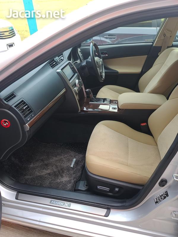 Toyota Mark X 2,5L 2015-11