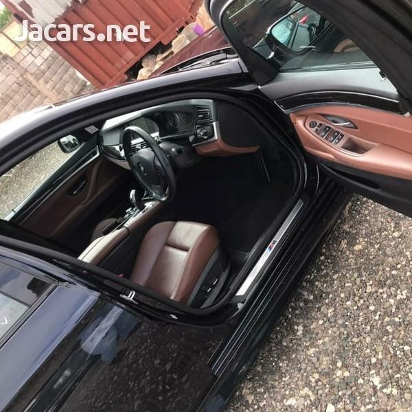 BMW 5-Series 2,3L 2013-9