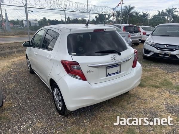 Toyota Vitz 1,0L 2016-5
