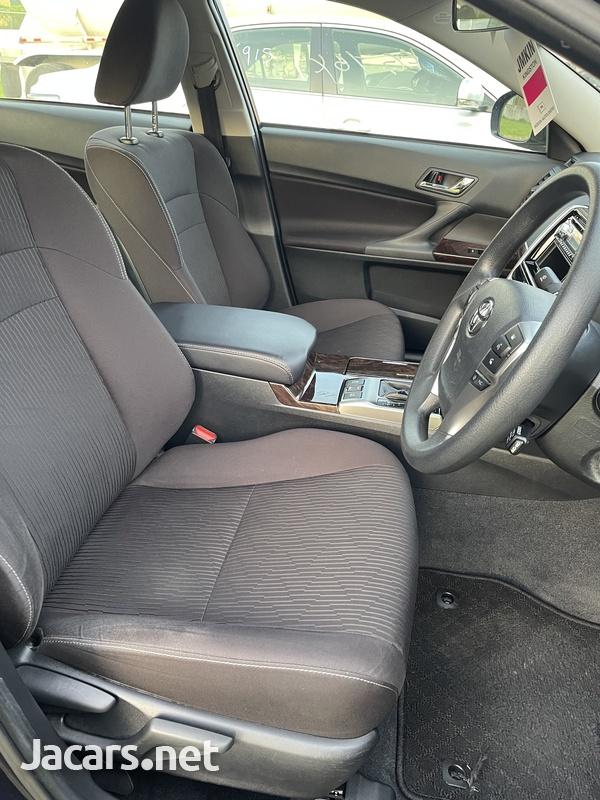 Toyota Mark X 2,5L 2018-13