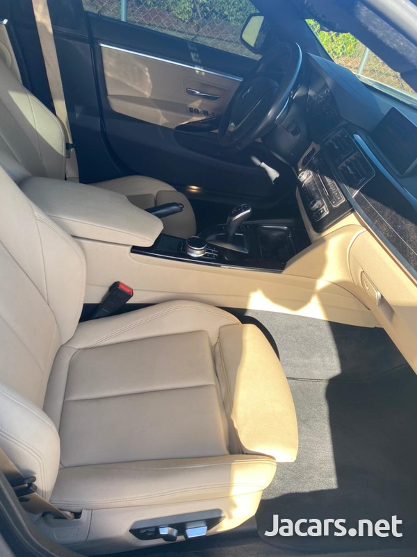 BMW 4-Series 2,0L 2019-10