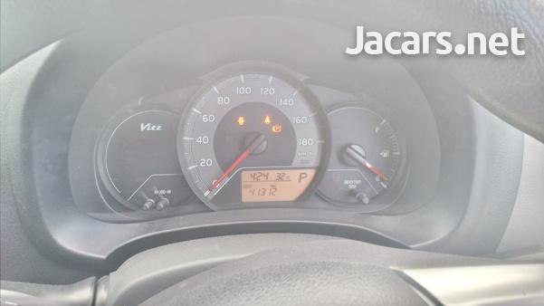 Toyota Vitz 0,9L 2016-7
