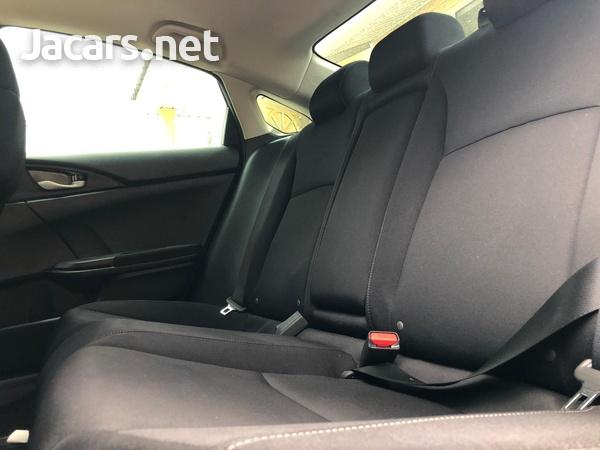 Honda Civic 2,0L 2017-7