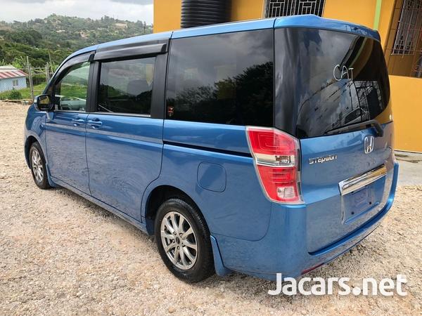Honda Step wagon 2,0L 2012-6