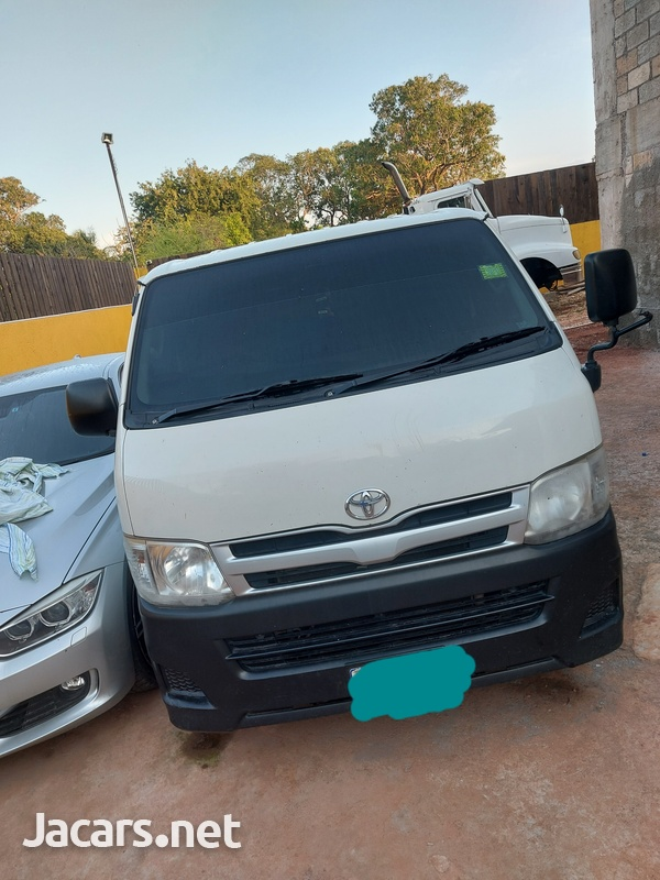 Toyota Hiace 2,0L 2012-2