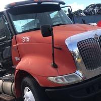 2004 International 8600 Truck