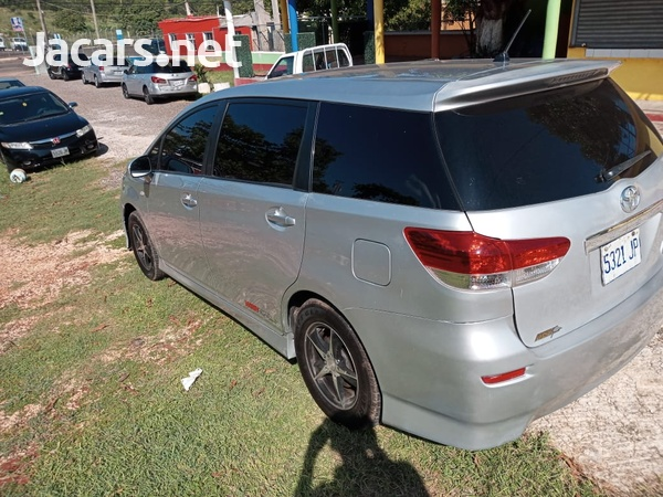 Toyota Wish 1,8L 2013-13