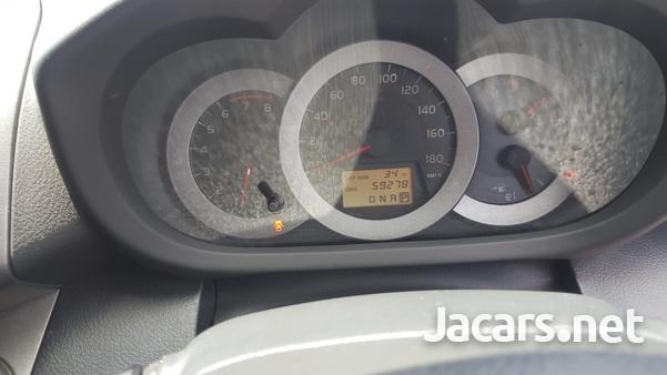 Toyota RAV4 2,0L 2011-9