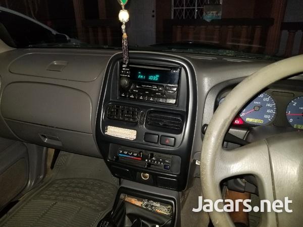 2004 Nissan Frontier-5