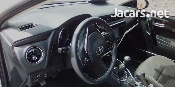 Toyota Scion 2,0L 2016-4