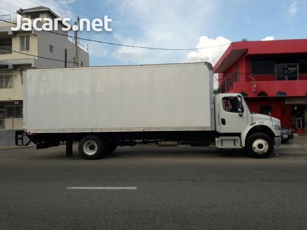 2014 Freightliner 12 tonne box Truck-2