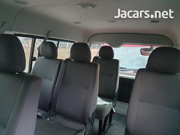 2013 Toyota Hiace Bus-3