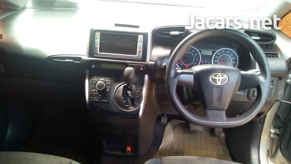 Toyota Wish 1,7L 2009-8