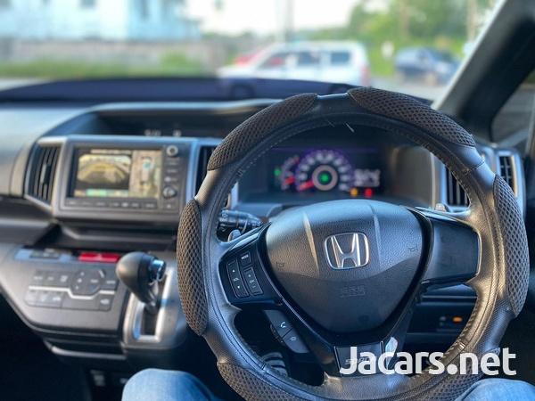 Honda Stepwgn Spada 2,0L 2010-14