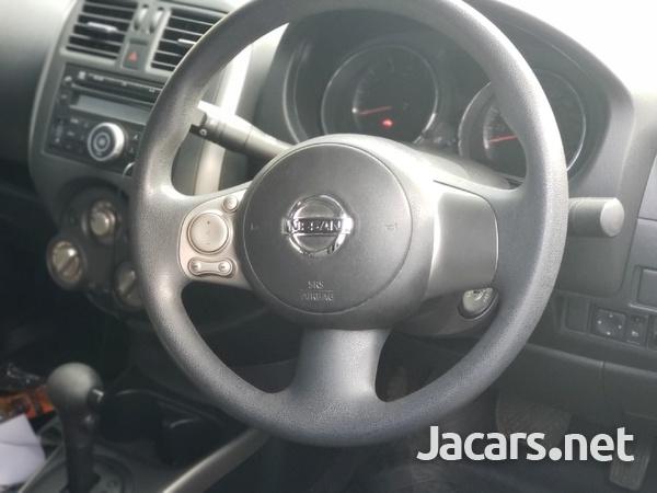 Nissan Versa 1,5L 2013-4