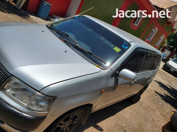 Toyota Probox 1,0L 2013-7