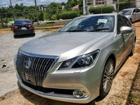 Toyota Crown Majesta 2,5L 2014