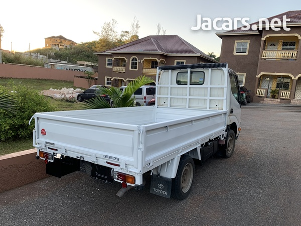Toyota Toyoace Truck-3