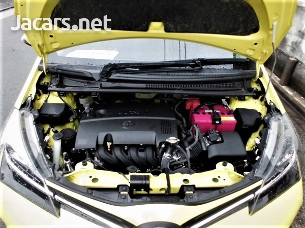 Toyota Vitz 1,5L 2015-8