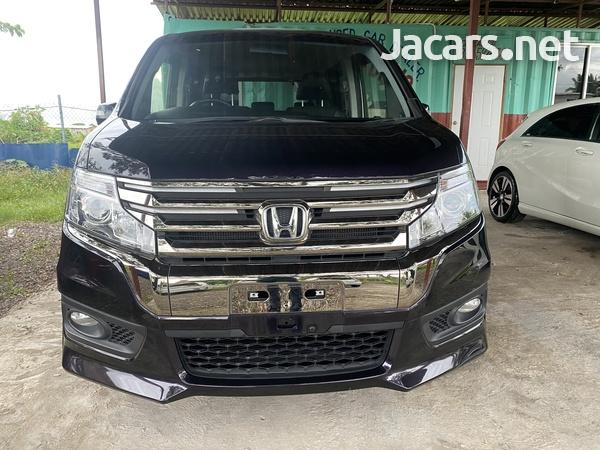 Honda Stepwgn Spada 2,0L 2013-12