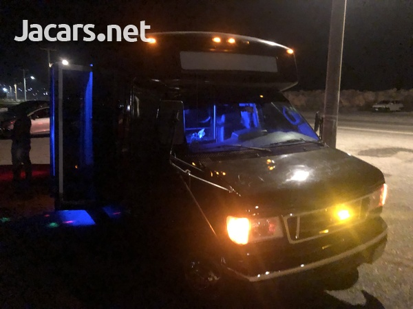 2006 FORD PARTY BUS-8