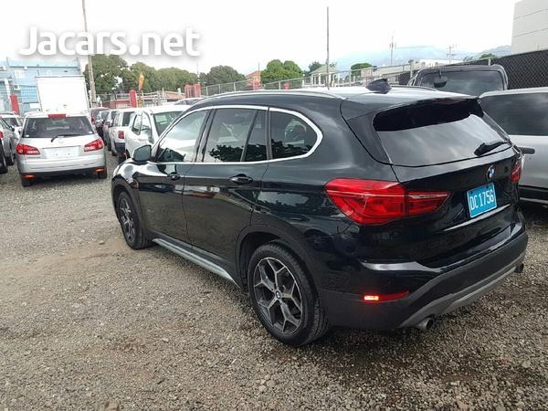 BMW X1 2,5L 2018-3