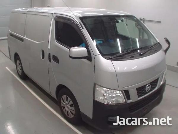 2015 Nissan Caravan freezer-4