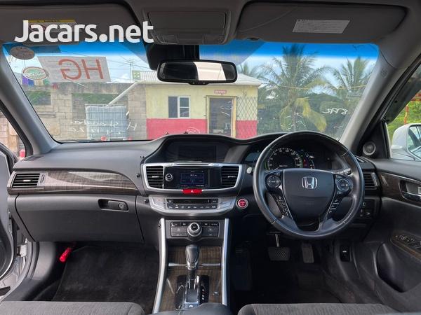 Honda Accord 2,4L 2013-8