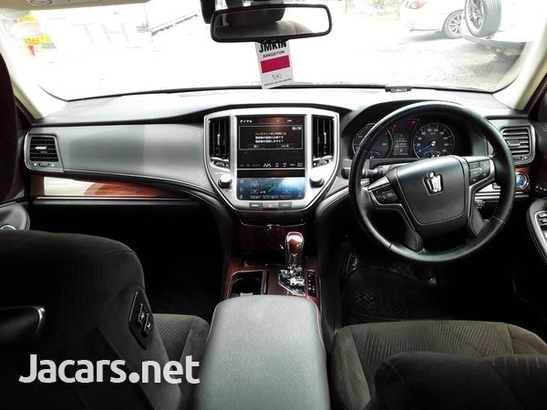 Toyota Crown 2,4L 2015-3