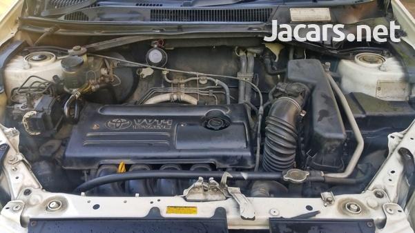 Toyota RAV4 2,0L 2001-8