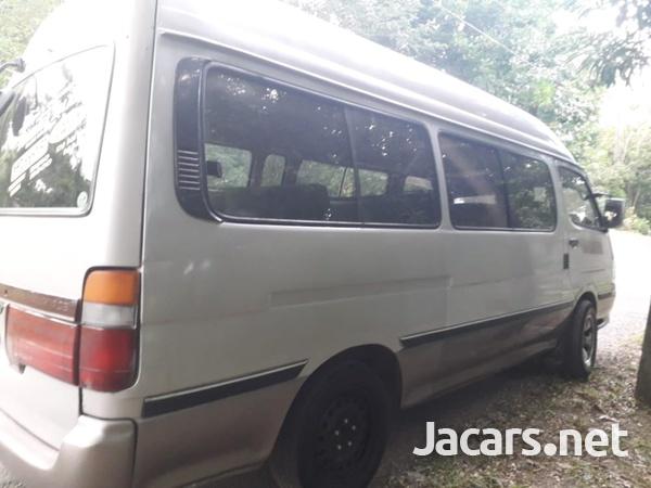 2001 Toyota Hiace Bus-7