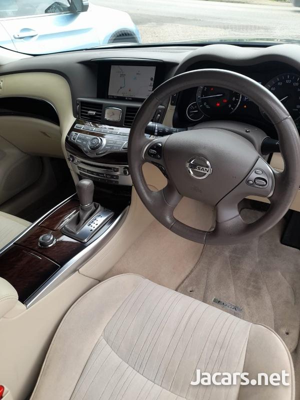Nissan Fuga 3,7L 2011-9