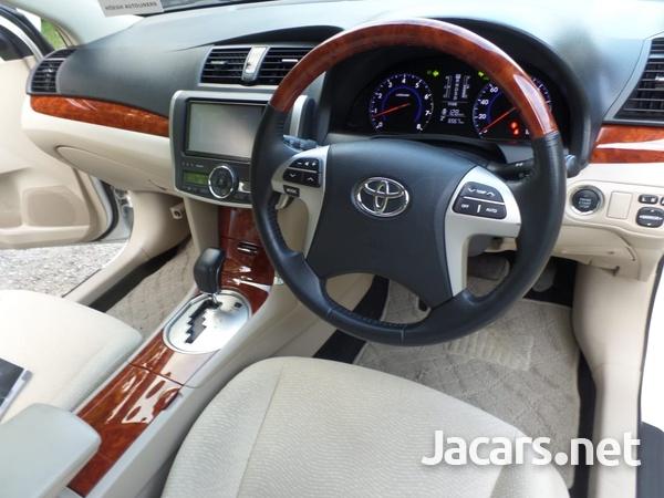 Toyota Premio 1,8L 2014-8