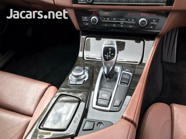 BMW 5-Series 2,3L 2013-7