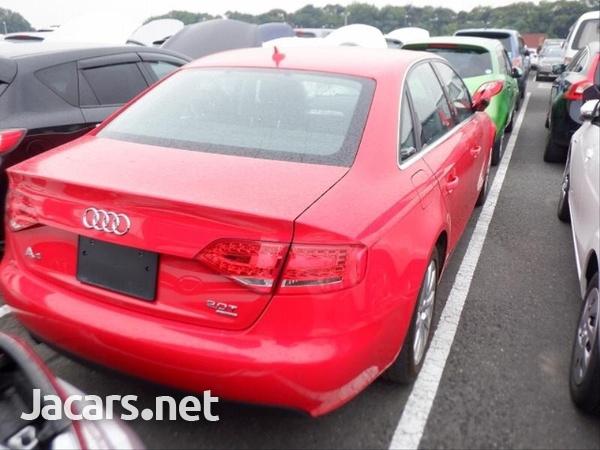 Audi A4 2,0L 2012-3