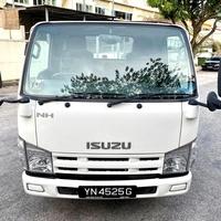 2013 Isuzu Flat Bed Truck