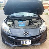 Mazda Axela 2,0L 2012