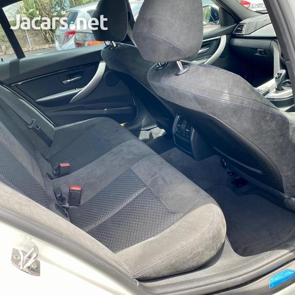 BMW 3-Series 2,0L 2016-8