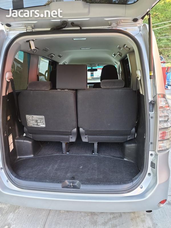 Toyota Voxy 2,0L 2011-16