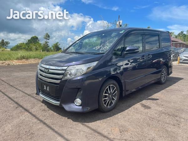 Toyota Noah 2,0L 2017-1