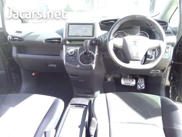 Toyota Wish 2,0L 2011-5