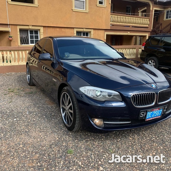 BMW 5-Series 2,0L 2011-4