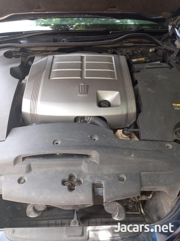 Toyota Crown 3,0L 2012-6