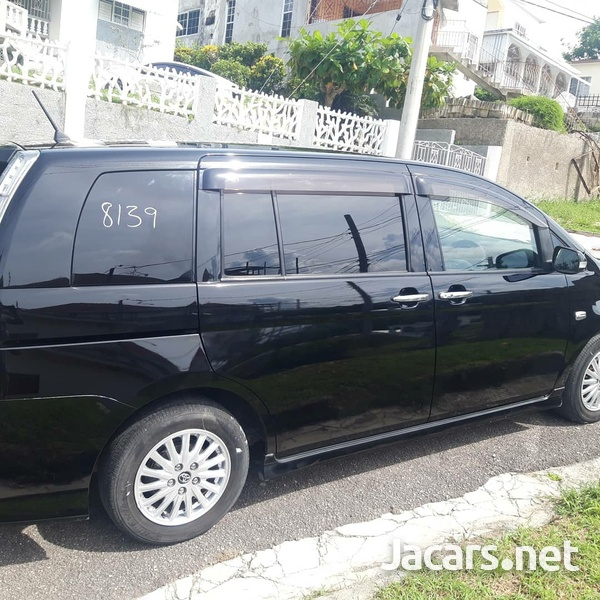 Toyota Isis 1,8L 2011-3