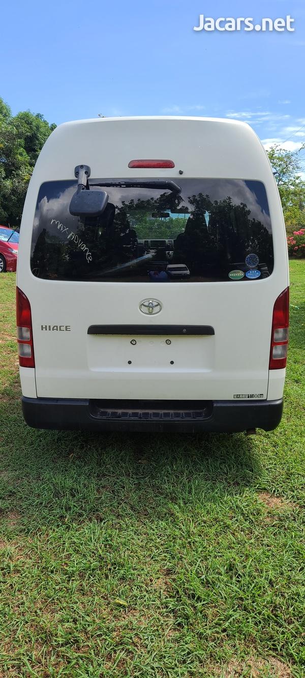 2013 Toyota Hiace Bus-4