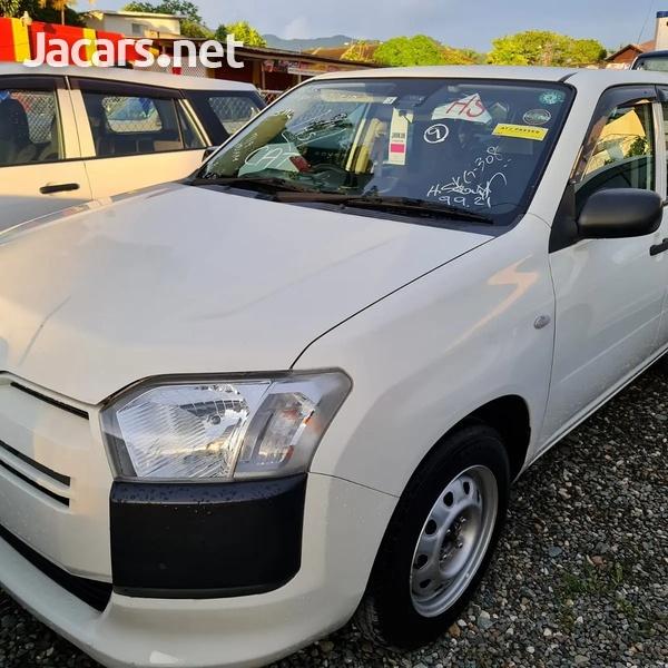 Toyota Probox 1,5L 2017-3