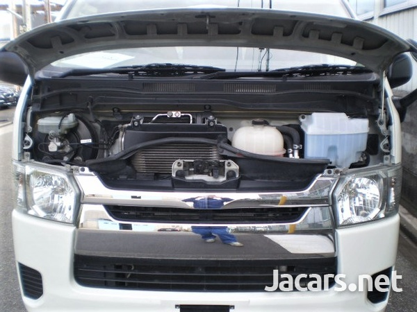 Toyota Hiace Bus 3,0L 2015-4